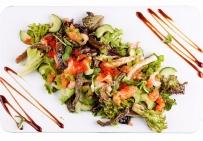 Салат с хрустящим брюшком