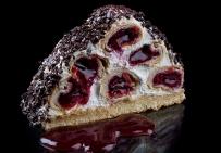 Торт с вишнями в сметанно-сливочном муссе