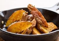 Картофель, запеченный в кожуре с чесноком