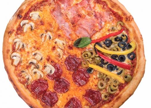 Фото пиццы 4 сезона доставляемой из ресторана на дом