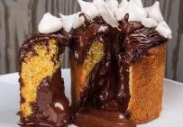 Пасхальный кулич с черным шоколадом