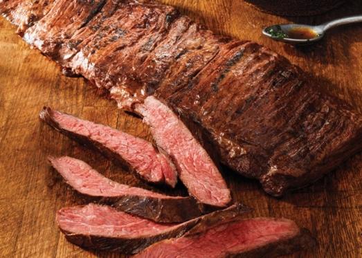 Приготовленный стейк мясника из говядины с доставкой на дом