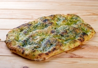 Фокачча (Римська піца) з соусом песто, кунжутом, пармезаном