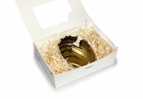Яичко шоколадное Яйцо из чёрного шоколада с начинкой из солёной карамели, миндаля и вяленой вишни